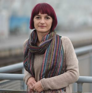 """Oana Preda, Director la Centrul de Resurse pentru Participare Publică (ce-re.ro), România """"Legile sunt făcute de parlament și de guvern. Atunci când nu ne plac, putem să cerem să fie schimbate sau să propunem altele mai bune. (Și) despre asta este advocacy: despre puterea de a schimba ce nu ne place."""""""